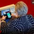 Premier Norvegia gioca a Pokemon Go in parlamento