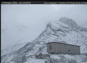 Guarda la versione ingrandita di Prima neve in montagna FOTO sopra 1700 metri. Imbiancate Dolomiti e Alto Adige
