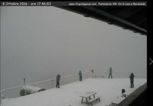 Prima neve sopra i 1700 metri in montagna