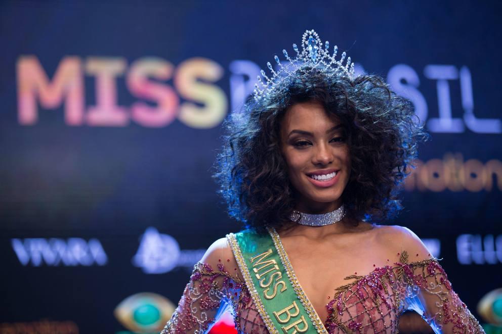 Raissa Santana è Miss Brasile: capelli ricci occhi scuri, assomiglia a Rihanna