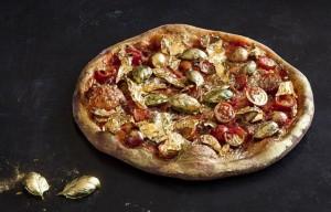 Pizza margherita ricoperta di oro 24 carati FOTO