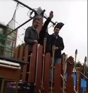 Vigevano, consigliere Buffonini inaugura luna park e fa saluto romano VIDEO