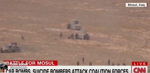 VIDEO Mosul, miliziano Isis accerchiato da soldati si fa esplodere