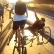Tamponamento tra ciclisti sulla autostrada per le bici5
