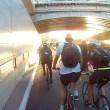 Tamponamento tra ciclisti sulla autostrada per le bici2