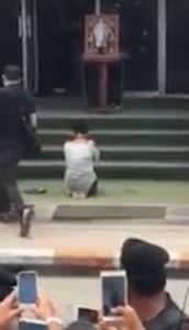 Thailandia, insulta re morto