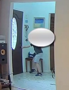 Torna a casa e trova ladro: 11enne scappa via6