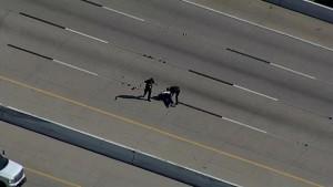Uomo in fuga attraversa autostrada5