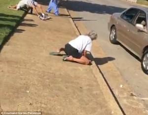 Usa, in overdose da eroina coppia di sessantenni: passanti ridono e filmano6