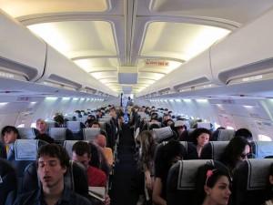 Guarda la versione ingrandita di Russia: muore in aereo, passeggeri costretti a viaggiare col cadavere