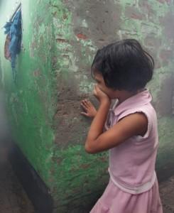 Roma, molesta bimba: bidello scuola materna incastrato da telecamere