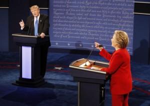 Guarda la versione ingrandita di Testa a testa Hillary Clinton Donald Trump (foto Ansa)