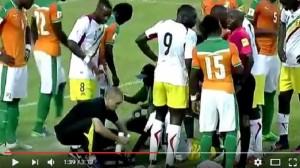 YOUTUBE Serge Aurier salva la vita a Moussa Doumbia in campo