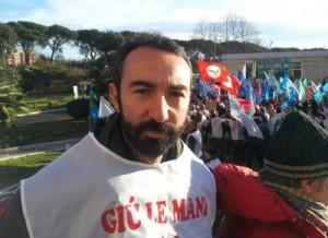 """""""Giornalisti la pagherete..."""": M5S, tendenza Facebook & manganello (in foto Davide Barillari)"""