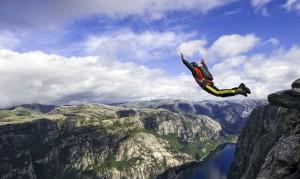 Base jumper si butta a Chamonix e muore