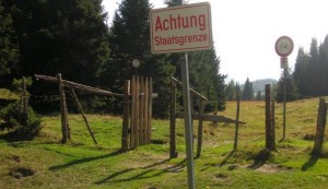 Migranti, Austria crea barriera anti-profughi a Monte Croce Carnico