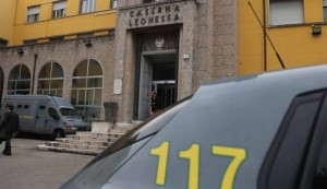 Brescia, falso allarme bomba: nello zaino un respiratore