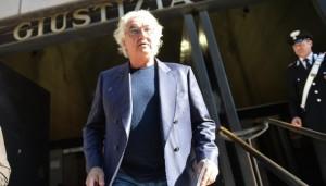 """Flavio Briatore coi pastori tardi: testimonial pecorino? """"Con lo champagne..."""""""