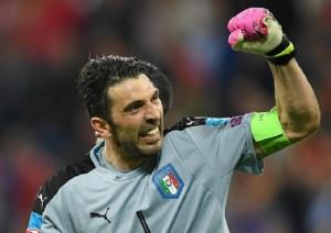 Guarda la versione ingrandita di Pallone d'oro: Gigi Buffon tra i candidati. I primi 5 nomi (foto d'archivio Ansa)
