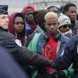 Calais, migranti sgomberati dalla Giungla dopo notte di scontri e tensioni con la polizia FOTO VIDEO 7