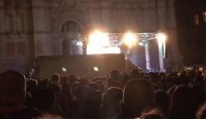 "Nomadi, camion sulla folla a Bologna durante concerto: ""Temevamo un'altra Nizza"" VIDEO"