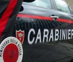 Giugliano, rom investono carabinieri con l'auto e fuggono
