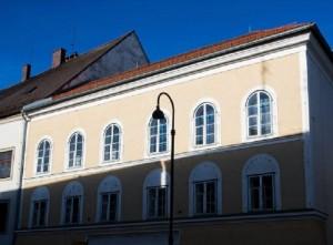 Austria: casa natale Hitler sarà abbattuta a Braunau am Inn
