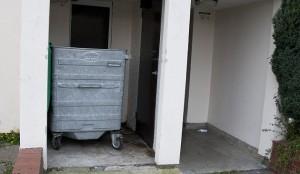 Luton, due cadaveri e un giallo: uomo trovato nel cassonetto dei rifiuti