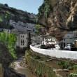 """Andalusia, una roccia """"divora"""" la città di Setenil de las Bodegas 2"""