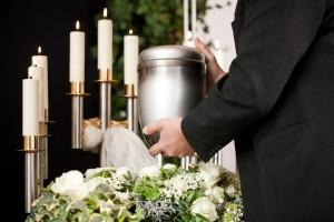 Cremazione: il sì della Chiesa. Con divieto di disperdere le ceneri