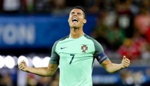 """Guarda la versione ingrandita di Cristiano Ronaldo: """"Ashley Cole il difensore più difficile da affrontare"""""""
