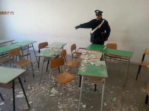 Guarda la versione ingrandita di Nichelino: crolla controsoffitto in scuola elementare, 2 bimbi feriti (foto d'archivio Ansa)