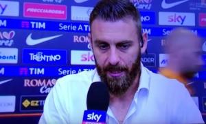 "YOUTUBE De Rossi stuzzica Caressa: ""Quelli di Mediaset..."""