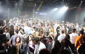 Guarda la versione ingrandita di Ladispoli, branco contro ragazza di 17 anni: le coetanee la picchiano in discoteca (Foto archivio Ansa)