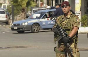 Milano e Napoli, aggrediti e picchiati militari esercito da extracomunitari