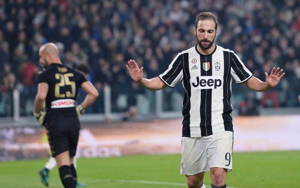 Juventus-Napoli 2-1, Gonzalo Higuain non esulta dopo il gol (foto Ansa)