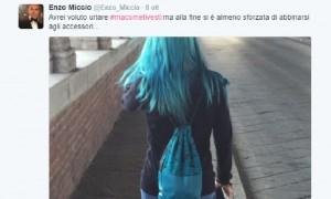 Guarda la versione ingrandita di Enzo Miccio deride ragazza con capelli blu. Elisa Leone risponde su Twitter