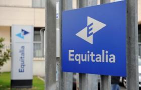 Equitalia gli chiede 871mila euro. Ma lui è nullatenente (da anni)