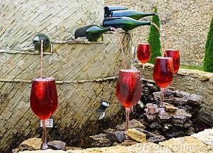 Fontana con vino rosso al posto dell'acqua a Villa Caldari (Chieti)