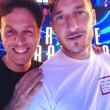Il giornalista Gabriele Parpiglia e Francesco Totti
