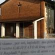 """Gorino, cartello in chiesa: """"Tornatevene al Califfato"""""""