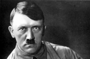 """Hitler e i gerarchi nazisti, tutti """"strafatti"""". Libro rivela: morfina, metanfetamine e..."""