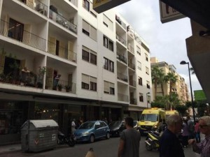 Ibiza, italiano di 24 anni muore cadendo da un balcone: è giallo
