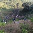 India, autobus di linea precipita in un dirupo in Kashmir: 22 morti 2