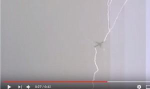 YOUTUBE Islanda, fulmine colpisce aereo in fase di decollo