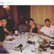 Belen Rodriguez e Iannone a cena col fratello di lei: tutti sembrano annoiarsi