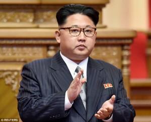 Guarda la versione ingrandita di Kim Jon-Un sta male? Dittatore Nord Corea diserta due eventi