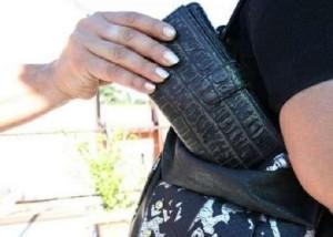 Genova, arrestato gruppo di borseggiatori: si dividevano bus dove rubare