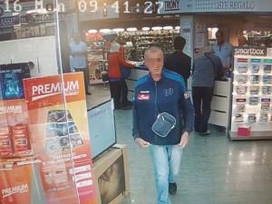 Napoli, ladro ripreso da telecamere arrestato grazie a Facebook