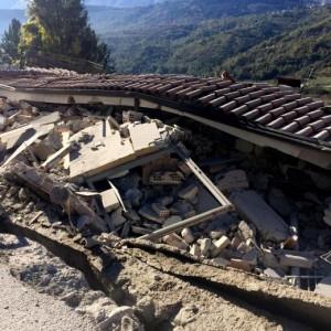 Terremoto: domani scuole chiuse a L'Aquila. A Teramo chiuso il cimitero